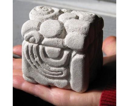 bauletto cofanetto portagioie in pietra bianca della Maiella