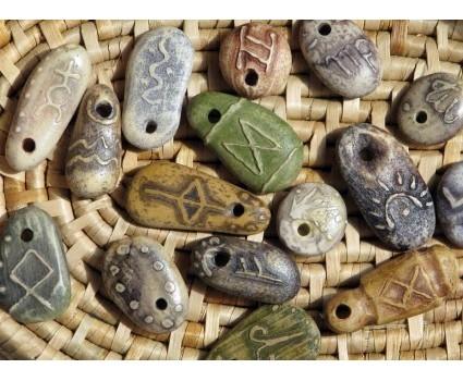 ciondoli in pietra di mare,segni zodiacali gufetti rune