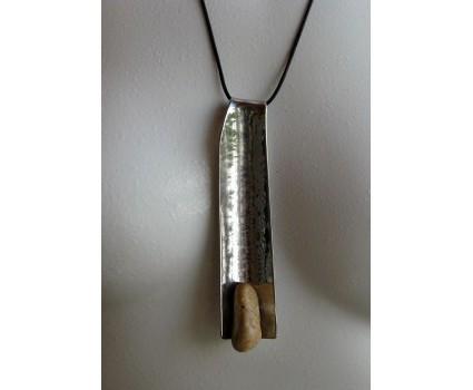 bigiotteria pietra di mare rame acciaio ferro e ottone