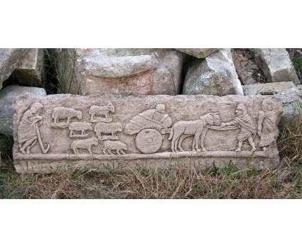riproduzione del celebre rilievo della transumanza da Sulmona, epoca romana